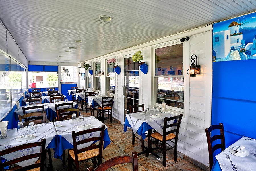 Stamna Greek Taverna Patio Dining